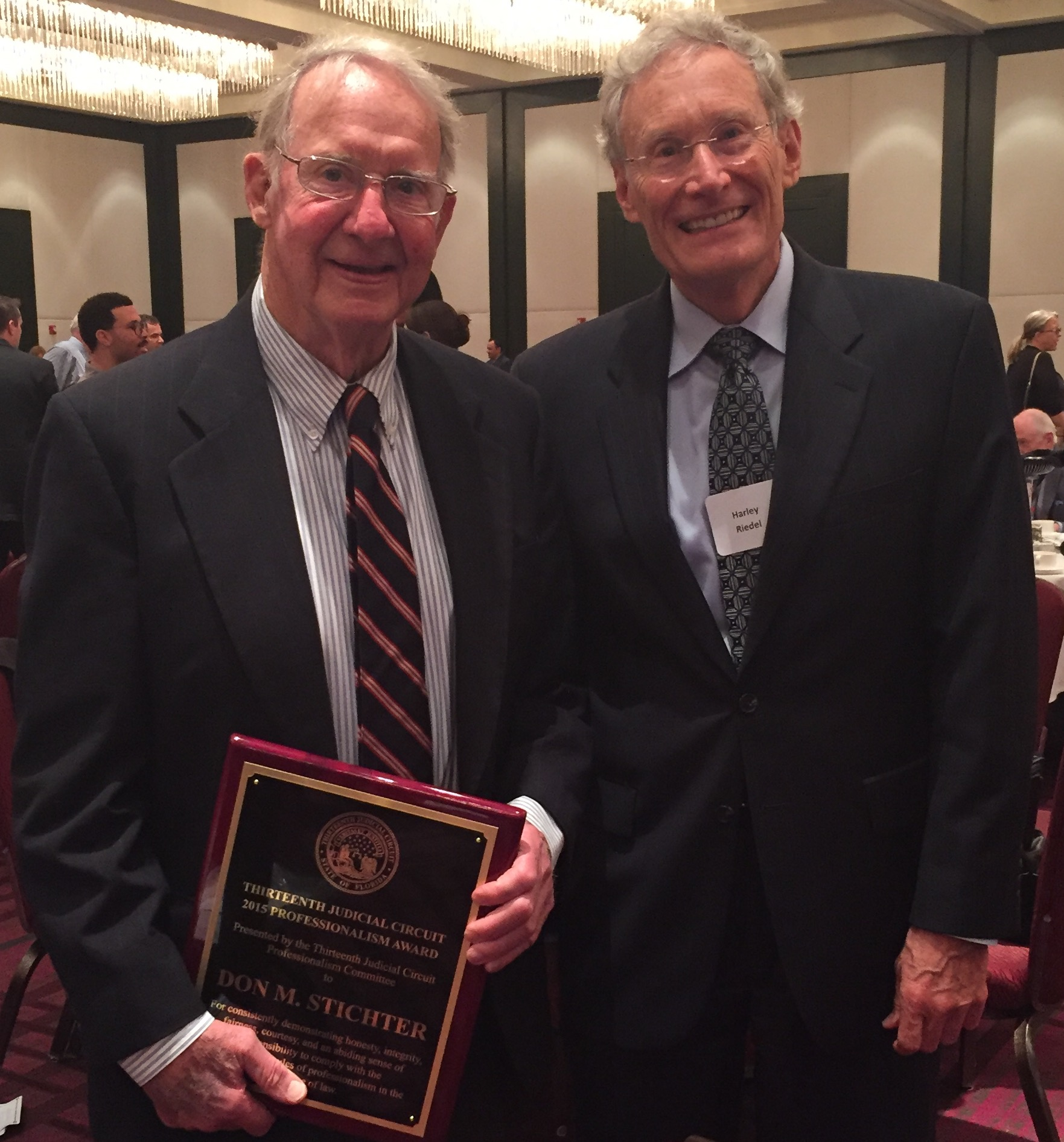 Don M. Stichter Awarded Thirteenth Judicial Circuit 2015 Professionalism Award - October 27, 2015